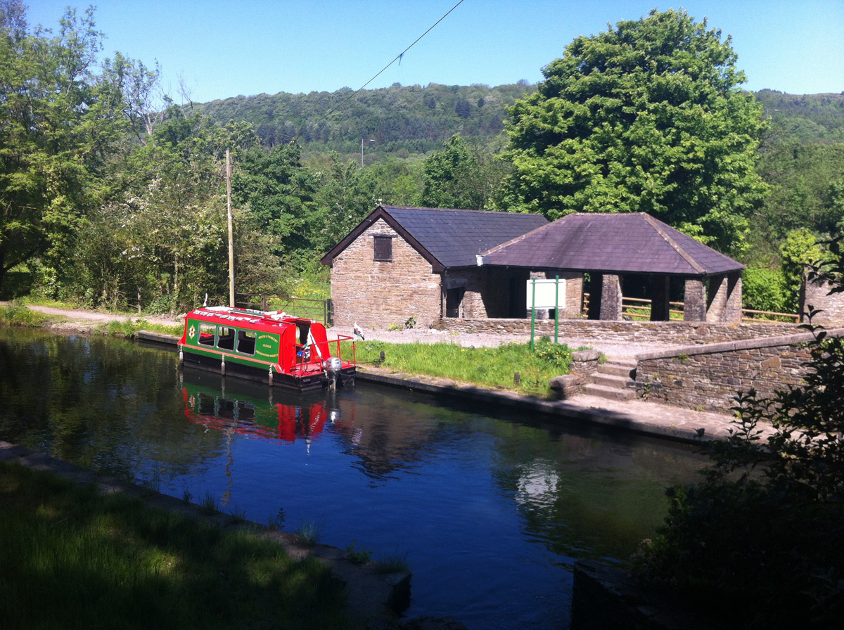 Canal workshops Tonna
